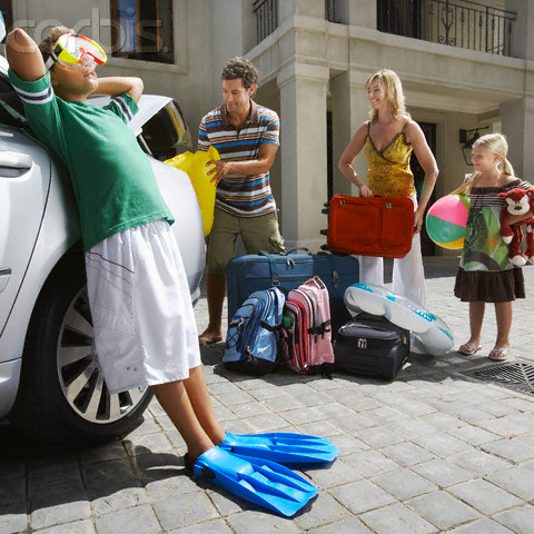 Family Packing Car for Summer Vacation