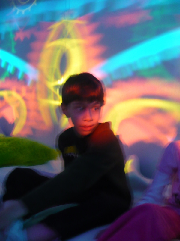 child in multi sensory room