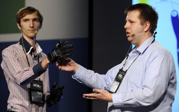 sign language interpreted by glove