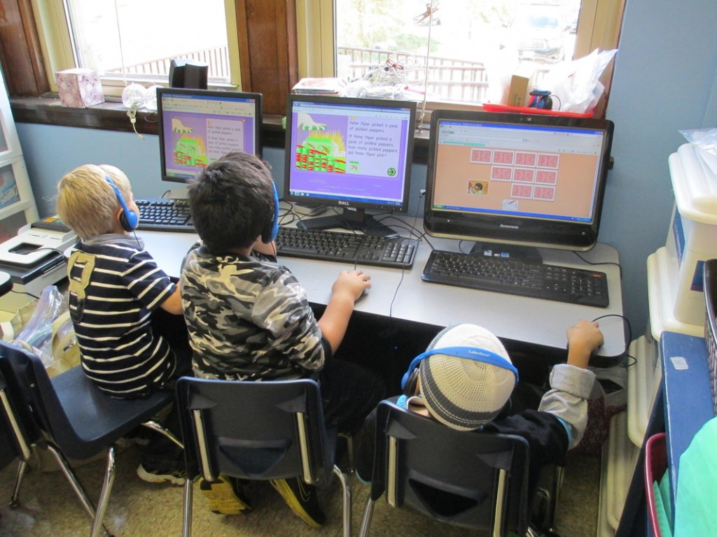 children learning using online resources